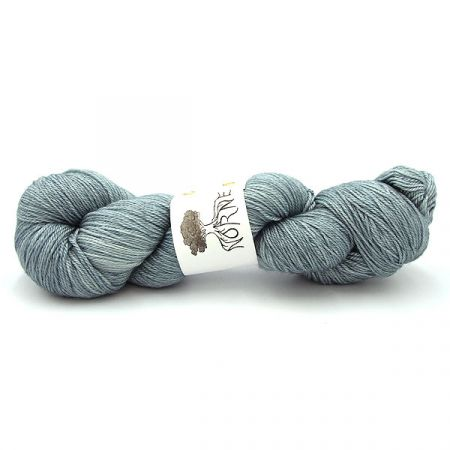 Norne Yarn: BFL / Silk / Cashmere Fingering - Ice One Night Old