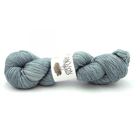Norne Yarn: BFL / Silk / Cashmere Fingering - Ice One Night Old