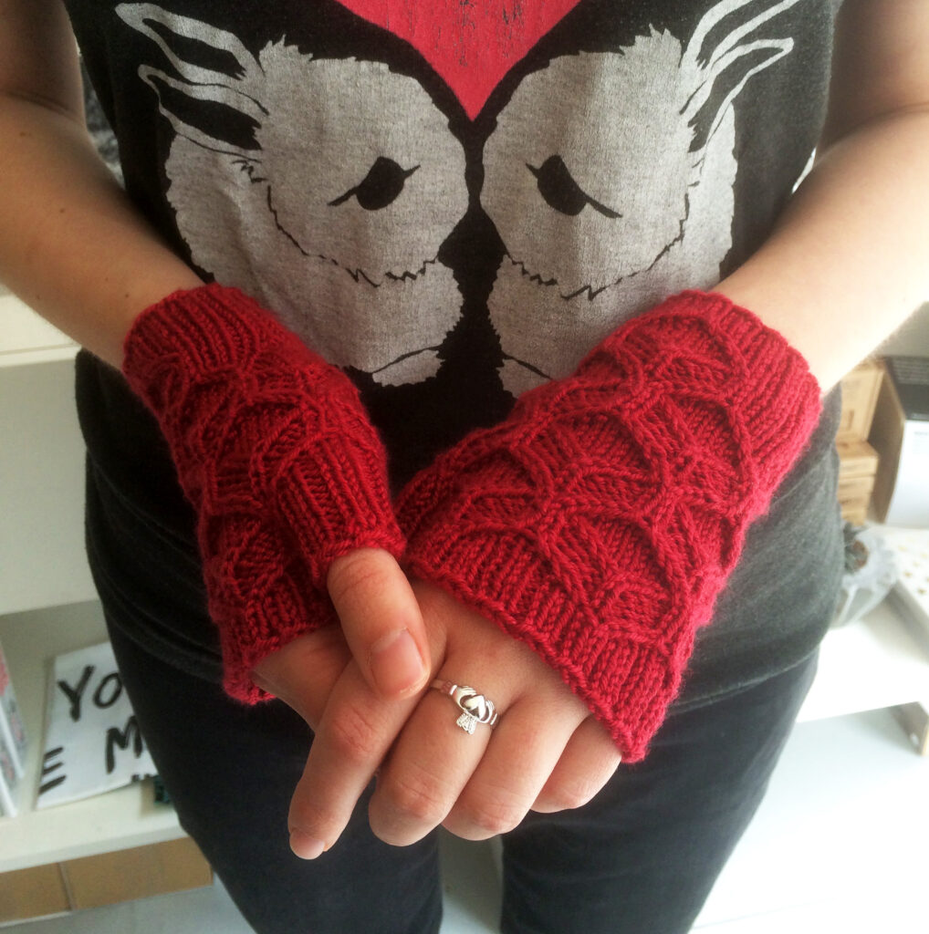 Bee_Mitts