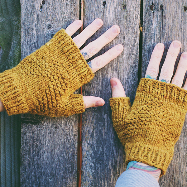 Quick Christmas Knits - Gloves