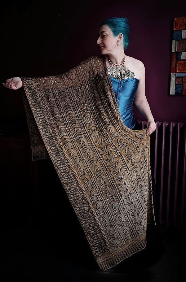 Filigree Sweater by Julie Knits in Paris