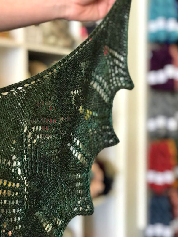 Tuva's Arrows by Julie Knits in Paris
